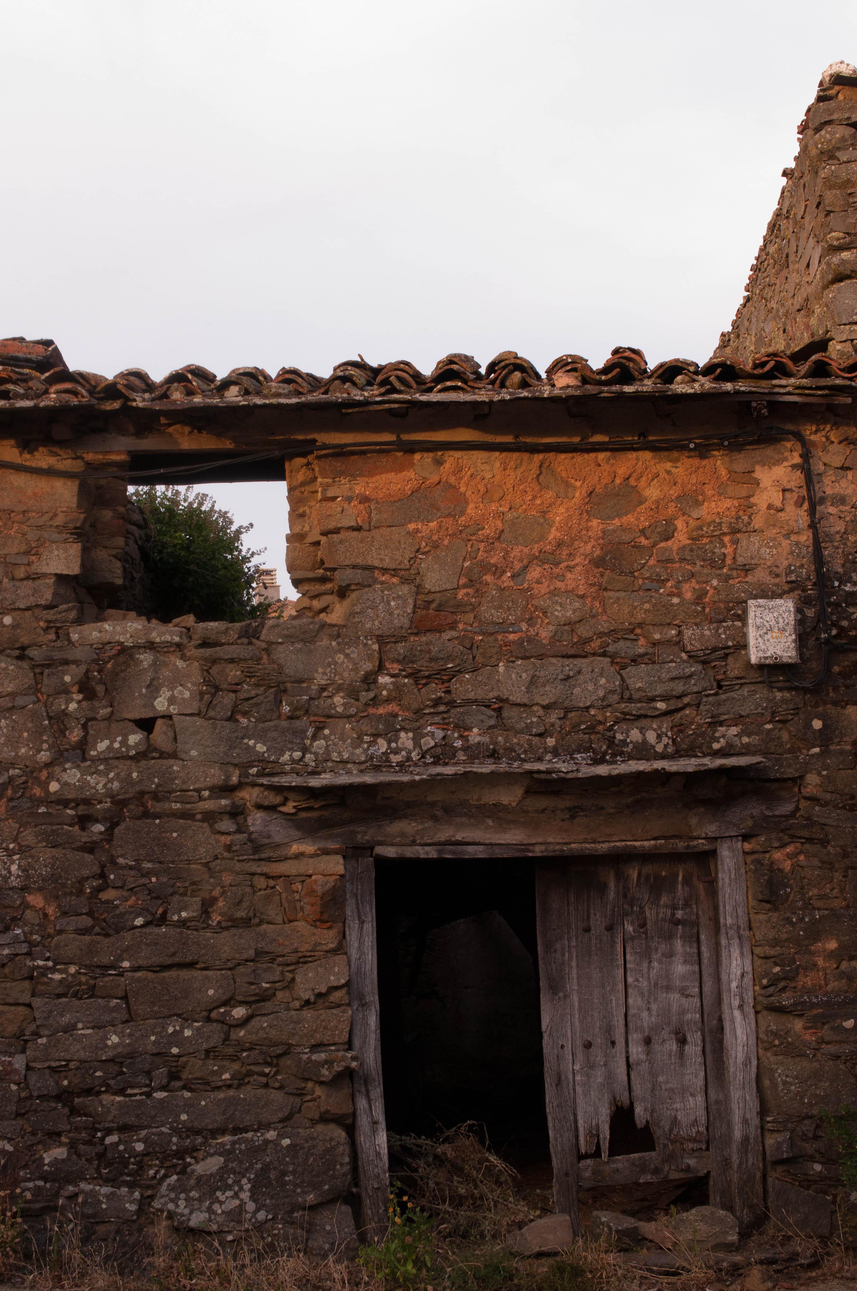 casa alistana abandonada Gallegos del Campo Las Obreras de Aliste miel