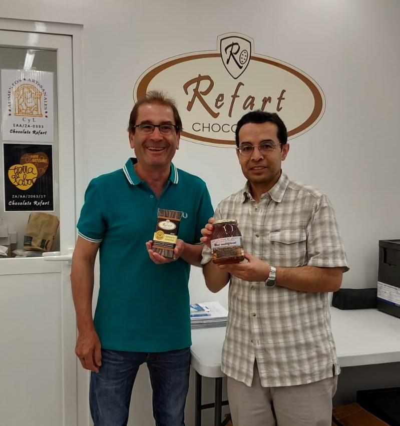 Chocolates Refart y Las Obreras de Aliste CB Artesanos de la Miel