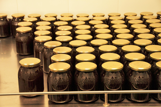 Todos los envases que utilizamos son de cristal transparente de la máxima calidad.